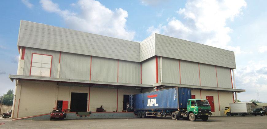 Warehouse-Depan