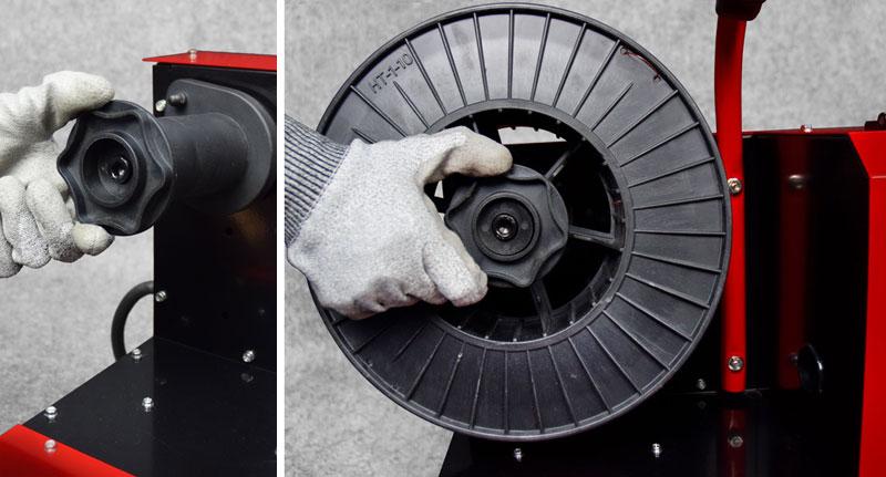Jual-Mesin-Las-Listrik-Industri-Industrial-Welding-Machine-Daiden-MIG-250-Cara-Memasukkan-dan-memasang-Roda-Kawat-Las