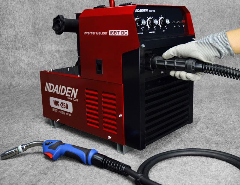 Jual-Mesin-Las-Listrik-Industri-Industrial-Welding-Machine-Daiden-MIG-250-Cara-Memasukkan-dan-memasang-kabel-plus