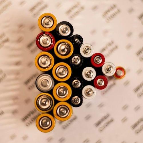 perbedaan-mesin-bor-listrik-dengan-bor-cordless-baterai